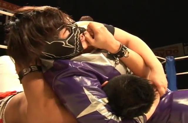 【無修正】ご奉仕フェラからアナル舐めをしながら高速手コキ